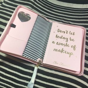 Too Faced boss lady beauty 2018 zip planner agenda